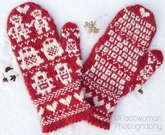 Valentine's Day Robot Love Mittens pattern by Fact Woman from Mod Knits  #Valentine's Day #Love #knitting