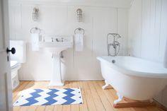 ~~~ CLAW FOOT TUB ~~~  Southern CT Beach Home - beach-style - Bathroom - allee architecture + design, llc