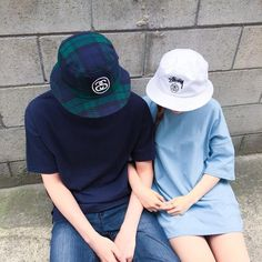 Korean Street Fashion for Couple Outfit - Nona Gaya Couple Picture Poses, Couple Shoot, Couples Images, Cute Couples, Boyfriend Goals Teenagers, Ulzzang Korea, Couple Aesthetic, Korean Couple, Ulzzang Couple
