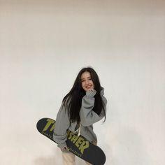 K-Pop Babe Pics – Photos of every single female singer in Korean Pop Music (K-Pop) Nancy Jewel Mcdonie, Nancy Momoland, Ideal Girl, Skateboard Girl, Skater Girls, I Love Girls, Female Singers, Single Women, Kpop Girls