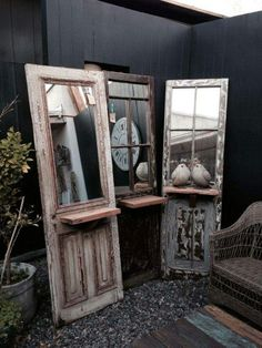 Old doors with a mirror & shelf Old Window Decor, Old Window Frames, Furniture Makeover, Diy Furniture, Gouts Et Couleurs, Rustic Decor, Farmhouse Decor, Old Window Projects, Diy Projects