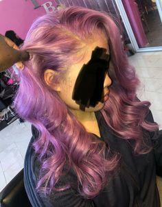 What lace ? Purple Hair Black Girl, Curly Hair Styles, Natural Hair Styles, Birthday Hair, Sew Ins, Hair Flip, Hair Game, Black Girls Hairstyles, Colored Hair