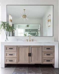 Still swooning over this bathroom vanity & cabinet situation by @davidjames_custombuilder and @tc_interiors So beautifully done! Bravo!