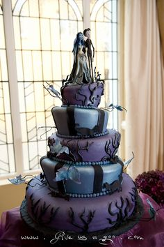 corpse bride cake - Randi which do you like better? I like this one lots