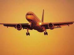 Video strage sfiorata a Barcellona: aereo invade la pista mentre un boeing atterra -