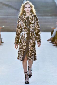 Louis Vuitton коллекция | Коллекции весна-лето 2018 | Токио | VOGUE