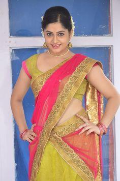 Desi Bhabi, Snake Girl, Beautiful Women Over 40, Saree Navel, Elegant Saree, Half Saree, Indian Beauty Saree, India Beauty, Sexy Women