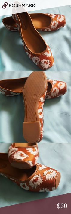 Antonio Melani•Tapestry Flats NWOT Flats. Rust and off white color. Very comfortable shoes. All man made materials.  F2A  No HoldsNo TradesNo PayPalModeling Bundle to save on shipping Use blue offer button to negotiate  Same or next business day shipping Authentic items Ask questions if the details don't explain everything.      I want you to be happy with your purchase. Shoes Flats & Loafers