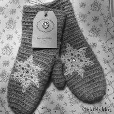 Alpaca mittens Fingerless Gloves, Arm Warmers, Mittens, Inspiration, Biblical Inspiration, Cuffs, Fingerless Mitts, Fingerless Mittens, Gloves