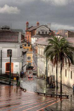 Frio y Lluvia, en Quito, Ecuador (EC) / por Wilo Enríquez