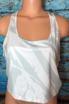 Gap Fit Women's Athletic Green White Tank Top Sz Large L Crop  | eBay