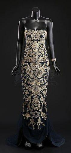 "SEASON 3 EPISODE 1: ""ANTIPASTO""Bedelia Du Maurier's (Gillian Anderson) Gown, Bracelet, and Shoes - Current price: $1000. Marchesa"