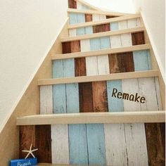 女性で、4LDKのサーフ/西海岸インテリア/ダイソー/カリフォルニアスタイル/階段/DIY…などについてのインテリア実例を紹介。「リメイクシートで階段をDIY」(この写真は 2016-07-11 23:53:41 に共有されました)