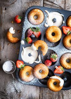 Fruit Picture, Beautiful Fruits, Doughnut, Baking, Ethnic Recipes, Sweet, Desserts, Food, Sugar