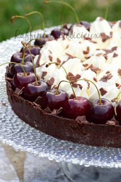 Tarte façon Fôret noire - The Best Irish Recipes Brownie Recipe Video, Brownie Recipes, Cake Recipes, Snack Recipes, Dessert Recipes, Sweet Pie, Sweet Tarts, German Torte Recipe, Strawberry Torte Recipe