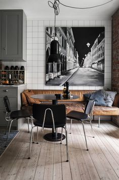 Old parquet and bricks for a charming Swedish apartment - PLANETE DECO a homes world - Old parquet and bricks for a charming Swedish apartment – PLANETE DECO a homes world - Decoration Inspiration, Interior Inspiration, Sweet Home, House Windows, Industrial Style, Dining Area, Home Kitchens, Home Furnishings, Home Furniture