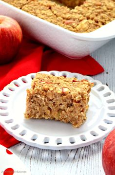 This Apple Cinnamon Healthy Baked Oatmeal is so easy to make and tastes wonderful! Baked apples with warm spices and hearty oats make this a great breakfast Baked Oatmeal Cups, Baked Oatmeal Recipes, Unsweetened Coconut Milk, Unsweetened Applesauce, Breakfast Bake, Sweet Breakfast, Creamy Peanut Butter, Almond Butter, Gluten Free Oatmeal