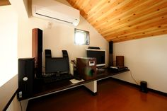 ロフトは、天井や床のトーンを変えてご主人様専用の小部屋に。