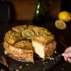 The best of two worlds are combined in this luscious baklava cheesecake fusion. East meets West in the most delicious way possible. Never mind baklava, there's a new cake in town – baklava cheesecake fusion! Baklava Cheesecake, Baklava Recipe, Cheesecake Recipes, Dessert Recipes, Unique Desserts, Holiday Desserts, Holiday Recipes, Greek Baklava, Athens Food