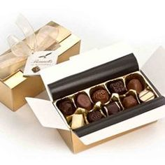 A little gold treasure chest of award winning chocolates from NZ....Kiwifruit, Feijoa, passionfruit and so many more....