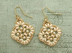 Linda's Crafty Inspirations: Circles & Squares Earrings - Pearl & Gold