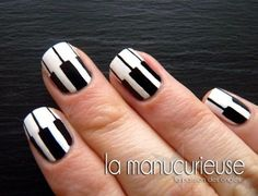 Uñas de teclas uploaded by Patricia Uribe on We Heart It Piano nail art! Very well done design Crazy Nail Art, Crazy Nails, Cool Nail Art, Nails Only, Get Nails, Hair And Nails, Music Nail Art, Music Nails, Piano Nails