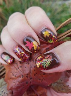 Fall/Halloween Nail Art. Been doing my own nails for one year now. Just for fun!  #NailArt  #AutumnNails #FallNails