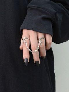 Grunge Accessories, Grunge Jewelry, Jewelry Accessories, Hand Jewelry, Cute Jewelry, Silver Jewelry, Women's Jewelry, Jewelry Kpop, Silver Rings