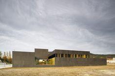 Nursery School in Pamplona / Larraz Arquitectos