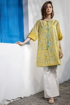 Sale On Unstitched - Buy Pakistani Women Unstitched Collection On Sale - Alkaram Studio Girls Dresses Sewing, Stylish Dresses For Girls, Simple Dresses, Casual Dresses, Beautiful Pakistani Dresses, Pakistani Formal Dresses, Pakistani Dress Design, Indian Dresses, Pakistani Fashion Casual