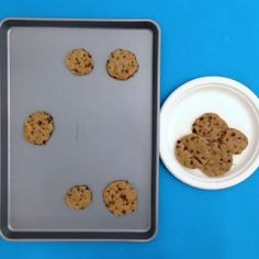 Clean your cookie sheets with baking soda and peroxide. #tip #lowesfixinsix