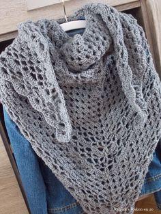 Freubelsjaal / driehoeksjaal (met link naar gratis patroon) / scarf (with link to free pattern)