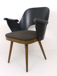 Set of Upto 12 Viennese Modernist Chairs in the Manner of Oswald Haerdtl 3