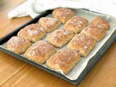 Glutenfria frukostrutor med frön | Glutenfria godsaker Gluten Free, Bread, Glutenfree, Sin Gluten, Breads, Bakeries