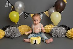Eugene and Springfield, Oregon Cake Smash Baby Photographer: Silas is ONE!