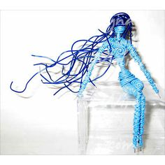 Wire sculpture of a Blue Girl