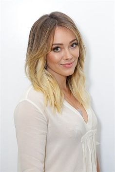 Live The Blonde Life: Riawna Capri Takes Hilary Duff Icy Blonde With Joico Blonde Life - Hair Color - Modern Salon Hilary Duff Short Hair, Hillary Duff Hair, Hilary Duff Makeup, Icy Blonde, Bright Blonde, Winter Blonde, Medium Hair Styles, Short Hair Styles, Corte Y Color