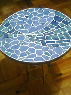 Mosaic Tile Table, Mosaic Diy, Mosaic Glass, Mosaic Designs, Mosaic Patterns, Mosaic Furniture, Mosaic Stepping Stones, Mosaic Flowers, Fused Glass Jewelry