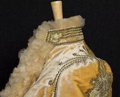 Victorian Clothing at Vintage Textile: #c431 Pingat mantle