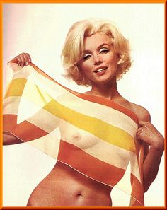 Contrary to what the public believed, Marilyn Monroe was not a large breasted woman. This photo revealed much about the star's physique. Hollywood Icons, Marilyn Monroe, Legends, Marylin Monroe