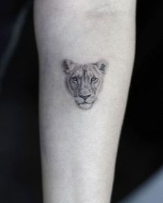 90 Tiger and Lion Tattoos That Define Perfection - Page 5 of. - 90 Tiger and Lion Tattoos That Define Perfection – Page 5 of 9 – Straight Blasted 90 Tiger and - Small Lion Tattoo For Women, Simple Lion Tattoo, Cute Tattoos For Women, Lion Head Tattoos, Cute Tattoos On Wrist, Hand Tattoos, Small Tattoos, Tatoos, Lion Tattoo Design