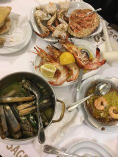 [OC] Seafood feast at cervajeria Ramiro in Lisbon [1536x2048]