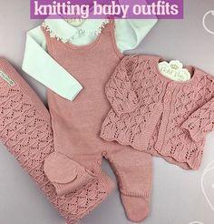 Crochet kids blanket patterns children 19 Ideas for 2019 Knitting Baby Girl, Baby Cardigan Knitting Pattern, Baby Knitting Patterns, Crochet Baby, Blanket Patterns, Knitted Baby Clothes, Cute Baby Clothes, Baby Girl Fashion, Kids Fashion