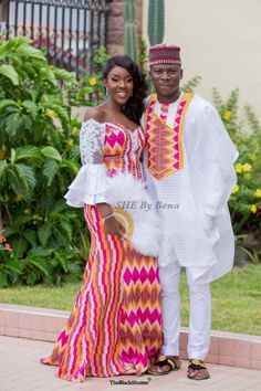 See Kente designs for weddings in Ghana right here. We have 2019 kente styles for couples.Traditional weddings outfit for Ghanaian couples 2019 Couples African Outfits, African Dresses Men, Latest African Fashion Dresses, African Print Fashion, Africa Fashion, Ghana Fashion, African Wedding Attire, African Attire, African Traditional Wedding Dress