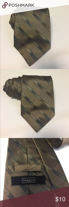 🆕Pre Owned Haggar All Silk Hand Made Tie 🆕Pre Owned Haggar All Silk Hand Made Tie Great condition. Color: Brown/ Diagonal Design (Color may vary due to lighting) Accessories Ties