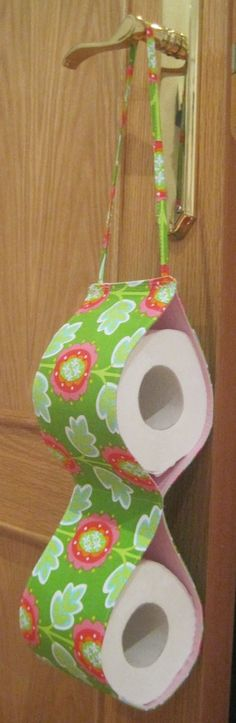 Fabric Toilet Paper Holder – diy – step by step – love this idea! gift idea Source by Toilet Paper Holder Gold, Farmhouse Toilet Paper Holders, Recessed Toilet Paper Holder, Paper Roll Holders, Michael Miller, Art Display Panels, Bathroom Crafts, Bathroom Ideas, Papier Diy