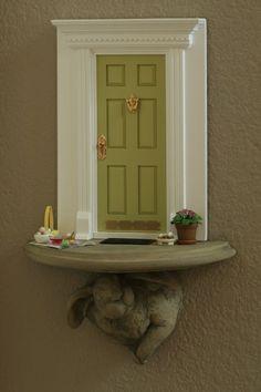 I think I'll try one soon. Fairy Garden Doors, Fairy Garden Houses, Fairy Doors, Fairy Village, Fairy Tree, Mouse Hole, Vitrine Miniature, Fairy Crafts, Miniature Fairy Gardens