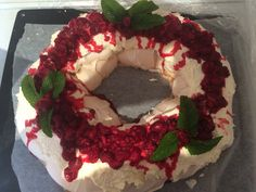 Pavlova I made on Xmas Day! Thanks Chelsea Winter for the recipe Chelsea Winter, Christmas 2019, Xmas, Pavlova, Recipies, Cooking, Cake, Desserts, Food
