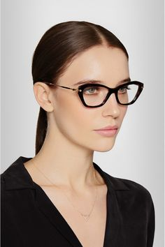 Tortoiseshell acetate Can be fitted with prescription lenses Come in a designer-stamped pink velvet hard case