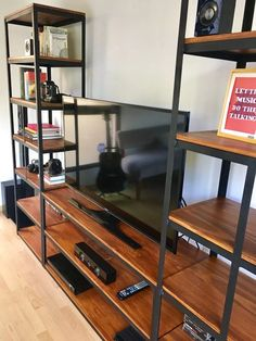 mueble para tv industrial! estantería en hierro y madera Tv Showcase Design, Rack Tv, Ladder Bookcase, Media Center, Shoe Rack, Shelves, Interior Design, Projects, Home Decor